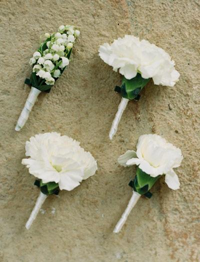 flores-brancas-lapela-casamento-constance-zahn